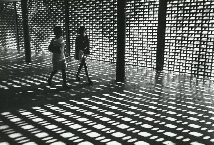 Paolo Gasparini, Caracas and Its Architecture (Caracas y su arquitectura), Venezuela, 1967-68. Collection Leticia and Stanislas Poniatowski....
