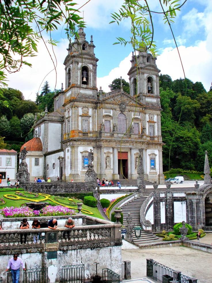 Eduardo dos Santos  Minho, Portugal     http://portugalmelhordestino.pt/fotos_concurso/97a2b2cf14a3c4a01f39bd1b2b53ee9b.jpg