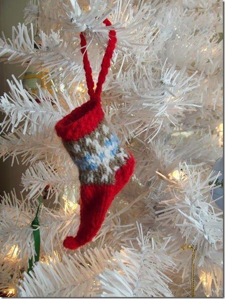 knitting pattern - holiday elf slipper tree ornament