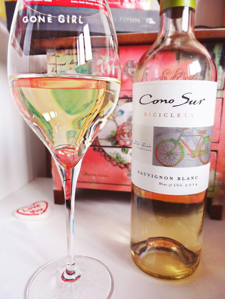 A lovely choice for white wine, Como Sur Bicicleta Sauvignon Blanc 2014