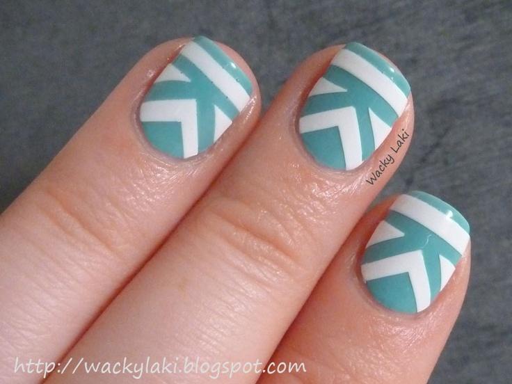 cool nails!: Nailart, Awesome Nails, Art Design, Nail Design, Tribal Pattern, Nail Art, Chevron Nails, Blue And White