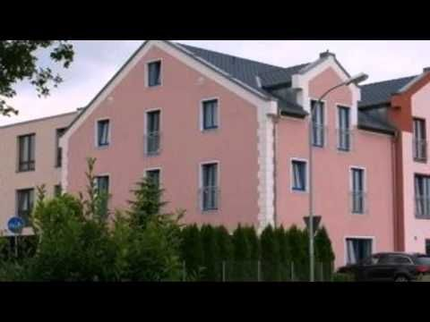 Hotel Meridian - Landshut-Ergolding - Visit http://germanhotelstv.com/meridian-landshut-ergolding This comfortable 3-star superior hotel is situated on the outskirts of the beautiful Bavarian town of Landshut.  Thanks to its location in the heart of Bavaria the Hotel Meridian is an ideal base for sightseeing and sports pursuits. -http://youtu.be/cjURTWHrHmg