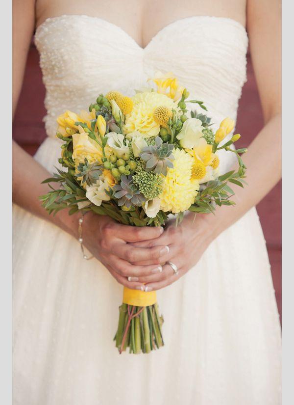 Ramos de noiva em amarelo