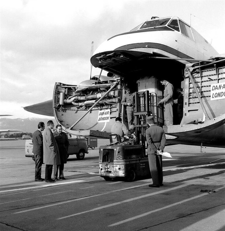 "January 1961 : CERN's IBM 709 computer arrives at Geneva's Airport -- #ThrowbackThursday #TBT -- This photo was taken in January 1961 when the IBM 709 arrived at CERN. It was inaugurated at an official ceremony on 6 March that year. The central processing unit (CPU) of the IBM 709 was four to five times faster than that of CERN's first electronic computer, the Mercury. It could be programmed in a high-level computer-programming language called ""FORTRAN"" (FORmula TRANslating), which helped a…"