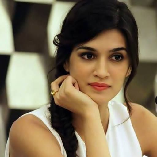 beautiful kriti sanon