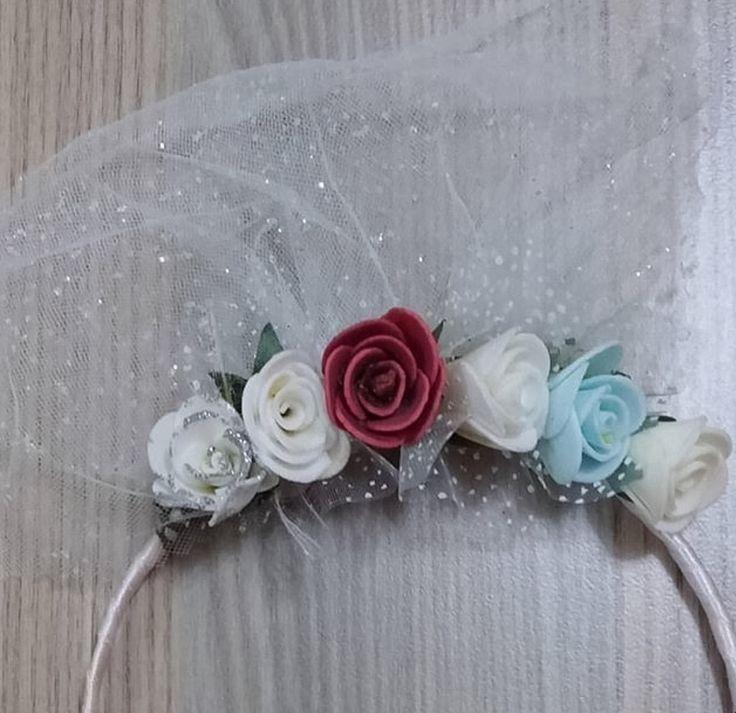 Saç aksesuar , taç , çiçek