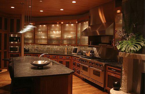 I love dark kitchens.: Decor, Idea, Dreams, Dream Home, Kitchen Design, Dream Houses, Dream Kitchens, Dreamhouse
