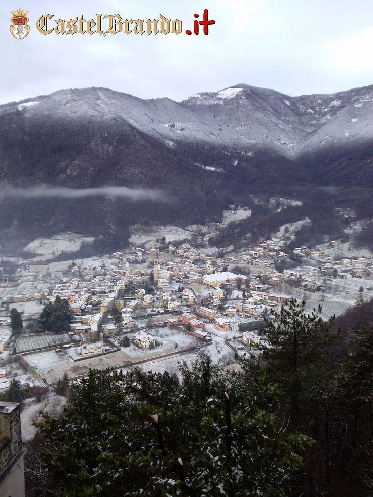 Un risveglio innevato a #CastelBrando! #neve #buongiorno #castello #castle #veneto #venetodigitale #visitveneto #cisondivalmarino