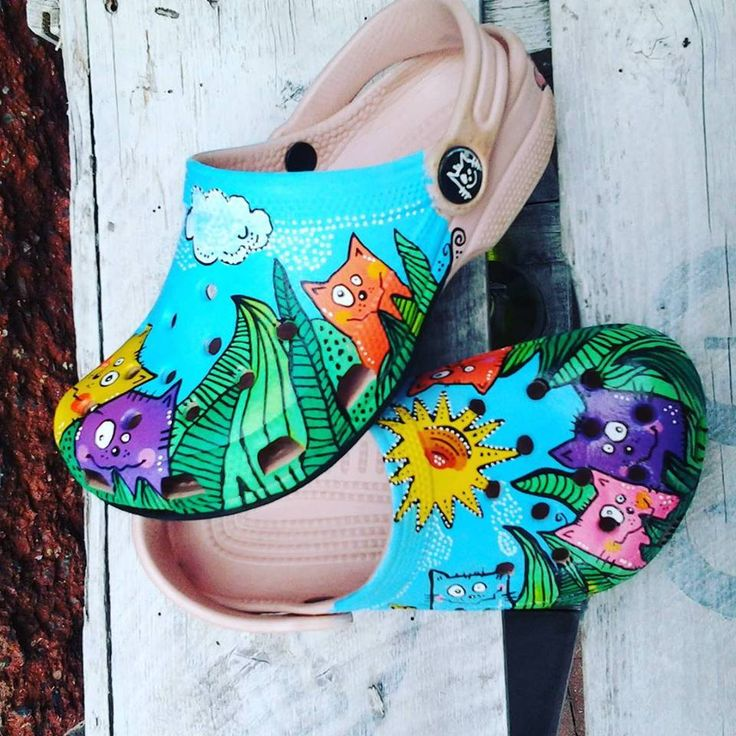 #posca #uniposca #poscaart #poscapens #crocs #handpainted #original #sandals