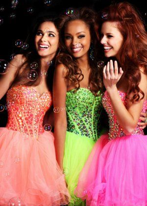Short Coral Rhinestones Sweetheart Corset Prom Dresses