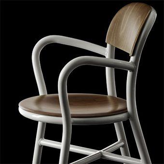 Magis stoel Pipe Chair met armleuning SD1120 door Jasper Morrison