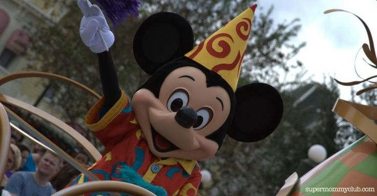 These secret entrances to Disney World will get you in ahead of the pack!