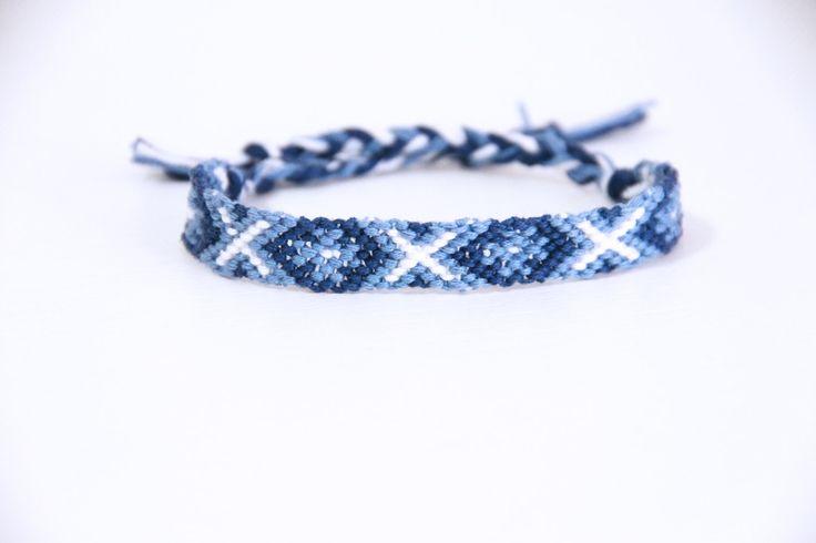 Braccialetto dell'amicizia blu e bianco/braccialetto cotone/bracciale spina di pesce/made in italy/bracciale estivo/braccialetto brasiliano di ItalianVictorianLace su Etsy