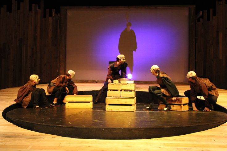 """an analysis of the caucasian chalk a play by bertolt brecht Sample by elijah ntongai """"during political strife, it is the common man who suffers most"""" basing your argument on bertolt brecht's play the caucasian chalk circle justify the truth of this statement."""