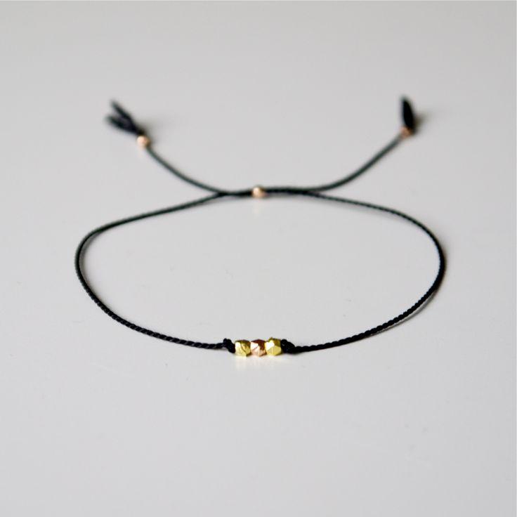silke armbånd med rosa guld og guld. rose and yellow gold mix bead bracelet