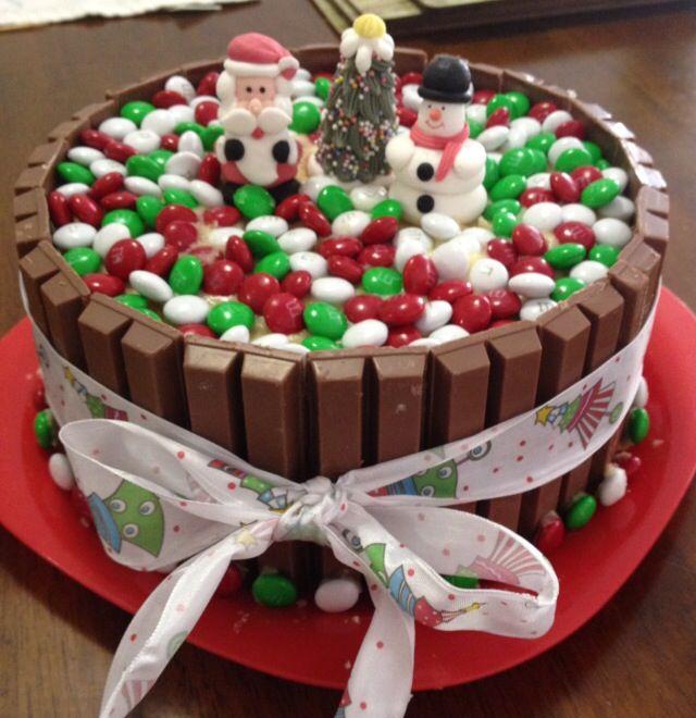 M & M / Kit Kat cake | Christmas Version |