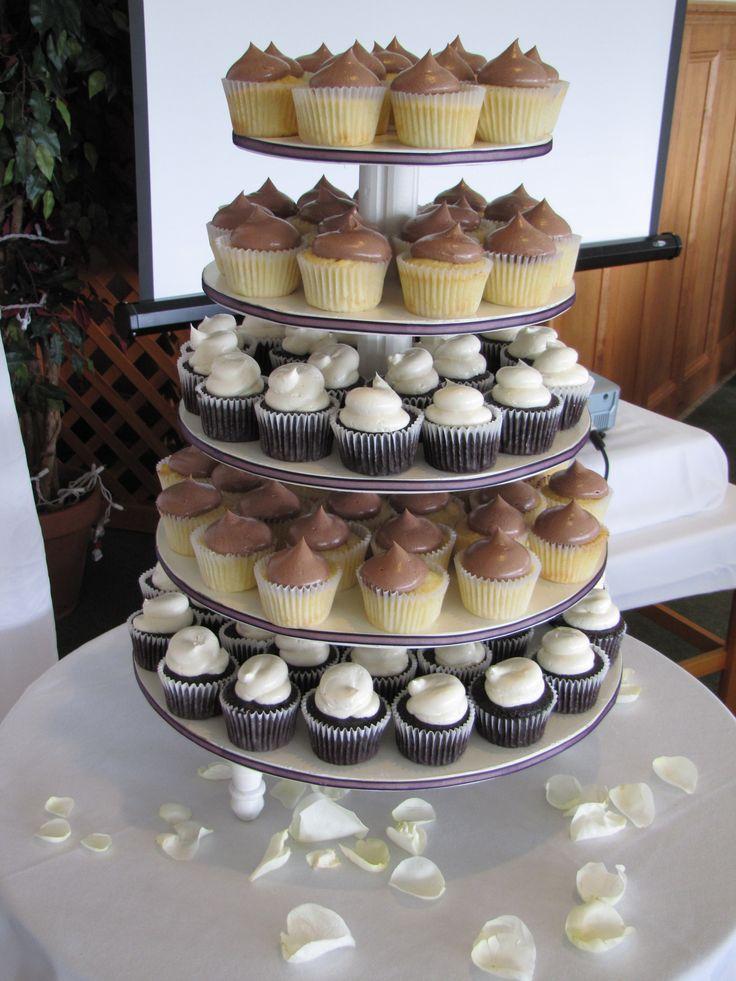 Wedding Cupcakes at Stanley Bridge Resort