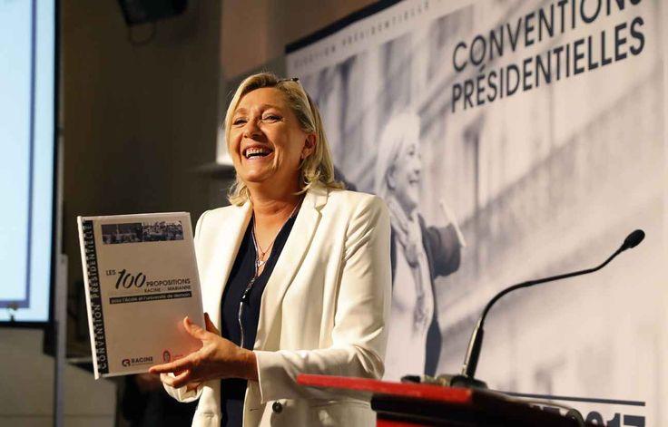 Félicitations au nouveau président des Etats-Unis Donald Trump et au peuple américain, libre », a tweeté dès 7h20 la présidente du FN Marine Le Pen.
