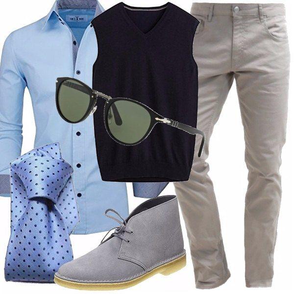 Purtroppo a volte l'ufficio ci impone un look elegante ma noi non esitiamo a proporre scarpe comode e sportive. Camicia light blue con cravatta a pois in blu scuro, gillet blu navy e pantaloni grigi, coordinati con le scarpe. Gli occhiali da sole, un must per le uscite dall'ufficio.