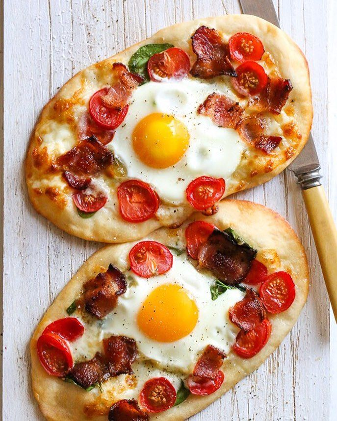 This easy, homemade BREAKFAST PIZZA (made with the bagel dough) is topped with bacon, eggs, tomatoes, spinach and cheese, made completely from scratch and ready in less than 30 minutes start to finish! . 5 Freestyle Points • 271 Calories https://www.skinnytaste.com/breakfast-pizza/ recipe link in profile #skinnytaste #breakfast #pizza #breakfastpizza #weightwatcherrecipes #skinnytasterecipes