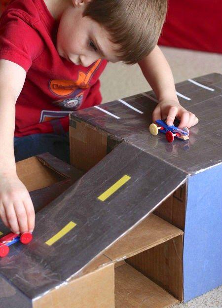 KoloDIY Child: Автомобильный трек и машинки из подручных материал...