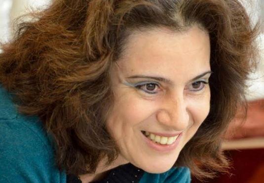 H #Εύη_Τσιτιρίδου   Evi Tsitiridou, παιδαγωγός και συγγραφέας, γνωστή αρθρογράφος από το ένθετο περιοδικό της εφημερίδας Καθημερινή «Ο Ερευνητές πάνε παντού», έχει παρουσιάσει αξιόλογο συγγραφικό έργο, υιοθετώντας λόγο απλό, αισθητικά ποιοτικό, που ανταποκρίνεται στην ψυχοσύνθεση και στις απαιτήσεις των παιδιών. ______________________________ Συνέντευξη στην Έλενα Νταβλαμάνου #book #writer #vivlio #interview http://fractalart.gr/evi-tsitiridou-christoforidou-interview/