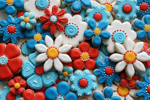 These would make cute 4th of July cookies...: Colors Royal, Patriots Cupcakes, Red Blue Flower Sugar Cookies, Patriots Flower, Sugar Flower, Sweets Sugar Belle, Flower Cookies, Beautiful Flowers, 4Th Of July