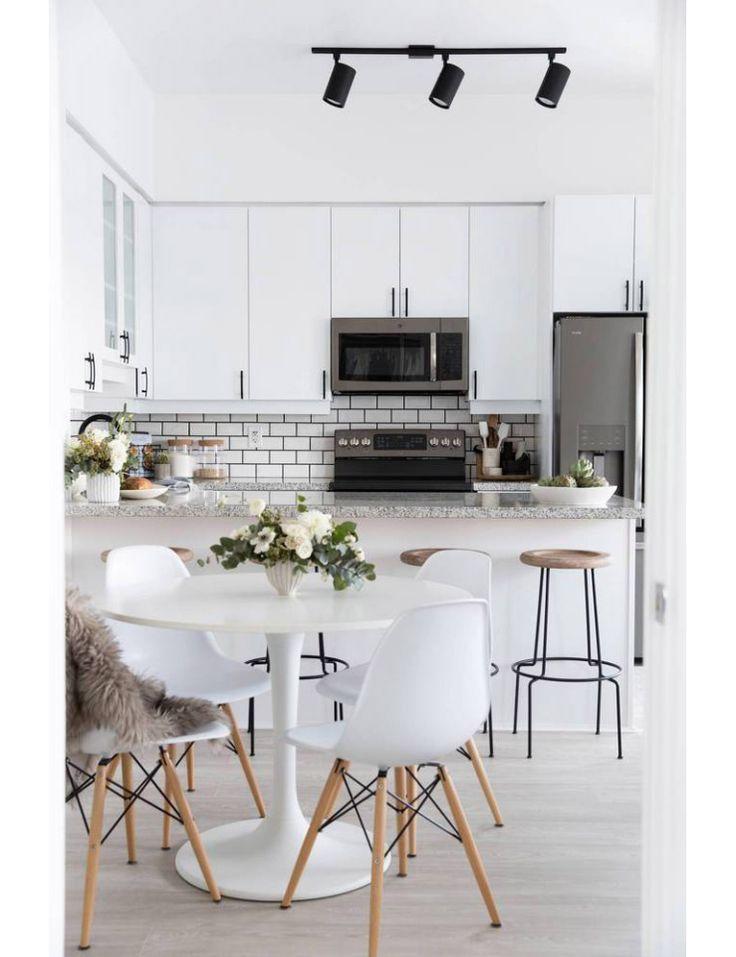 25 beste idee n over minimalistisch huis op pinterest minimalisme minimalistische woonkamers - Rustieke eetkamer decoratie ...