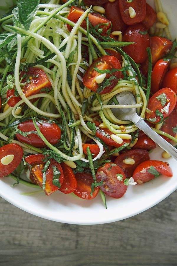 Zucchini Noodles with Basil Balsamic Marinated Tomatoes barefootstyling.com