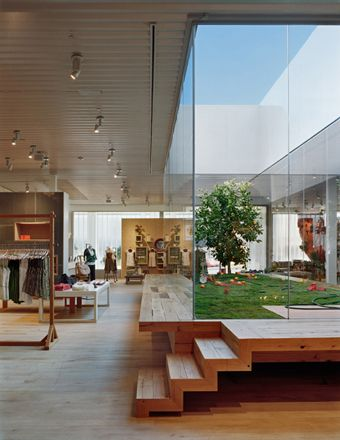 amazing #courtyard (#Anthropologie store #design in Corona, California; designed by Bec Brittain)