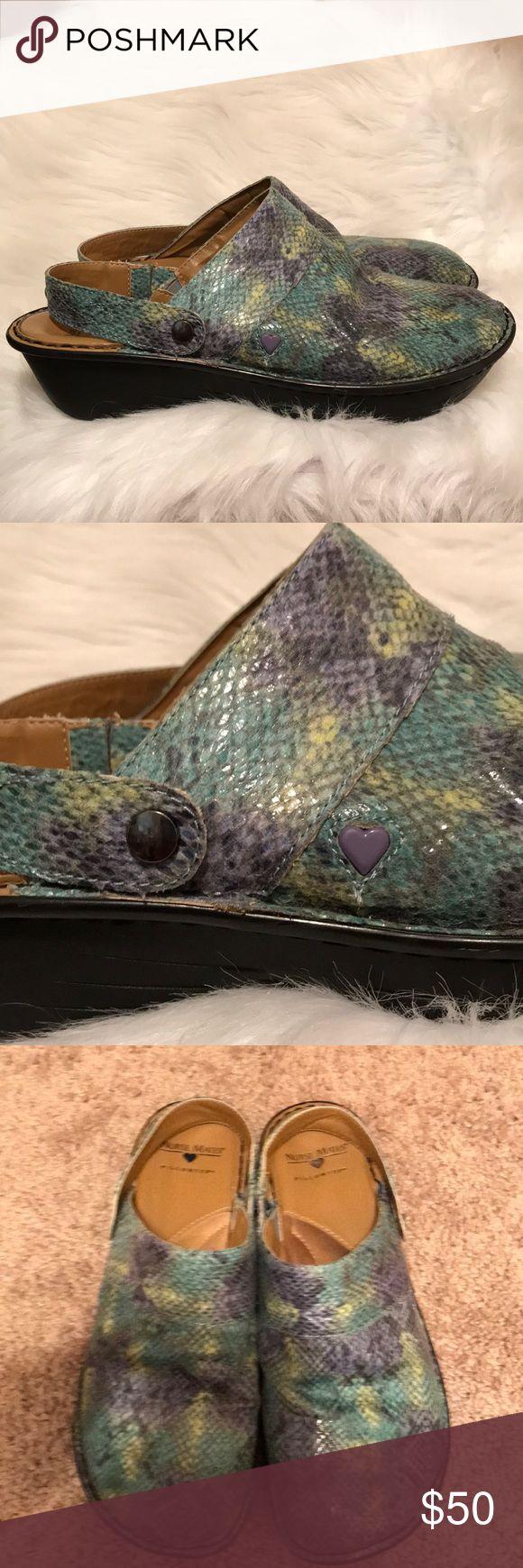 Nurse Mates Pillow Top work shoes😍❤️ In EUC size 10 medium made for comfort 😍❤️ Nurse Mates Shoes