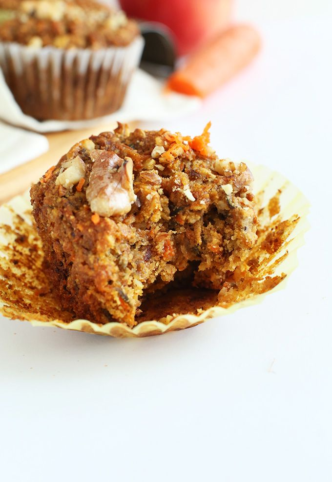 Moist, healthy carrot muffins! #VEGAN #GLUTENFREE and just ONE BOWL required!