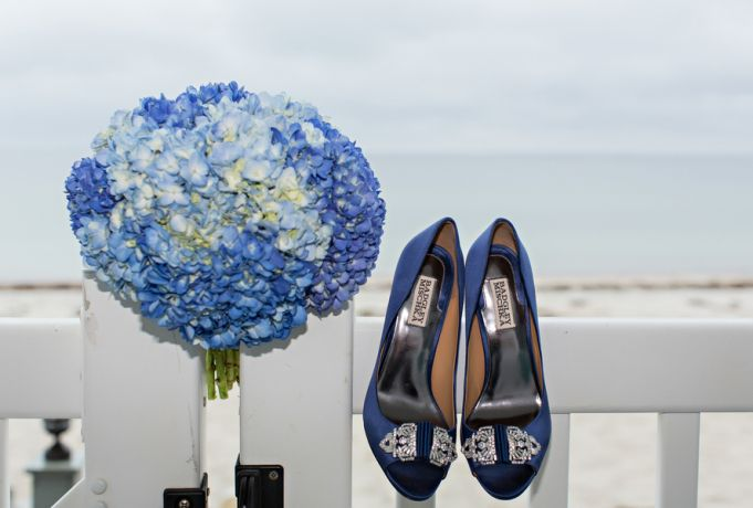 Travel-Themed Beach Wedding in Cape Cod | Two Bright Lights :: Blog
