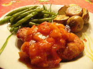 Tomates cerises et Basilic: Côtelettes de porc à la salsa de tomates et de pêches