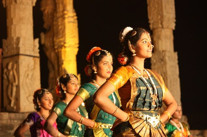 Bharatanatyam Classical Dance - History, Clothing, Exponents