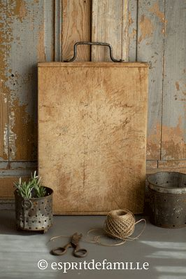 Old Bread/cutting board with handle