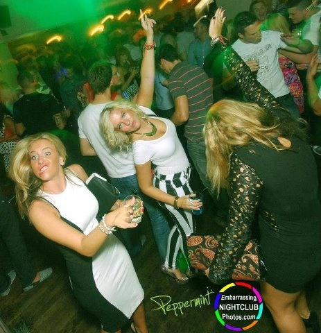 Get your gurn out!