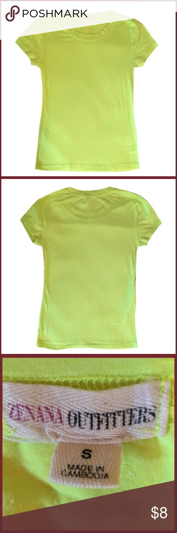 💥Sale💥 Short Sleeve Shirt ◾️Gently used Zenana Outfitters neon yellow short sleeve shirt.                                                                                             ◾️Size Small.                                                                                                                      ◾️Bundle and Save                             Summer neon colorful bright beach vacation water green sand Zenana Outfitters Tops Tees - Short Sleeve