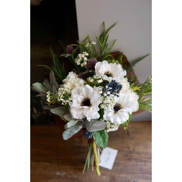 'Anemone clutch bouquet'アネモネとオリーブのクラッチブーケ