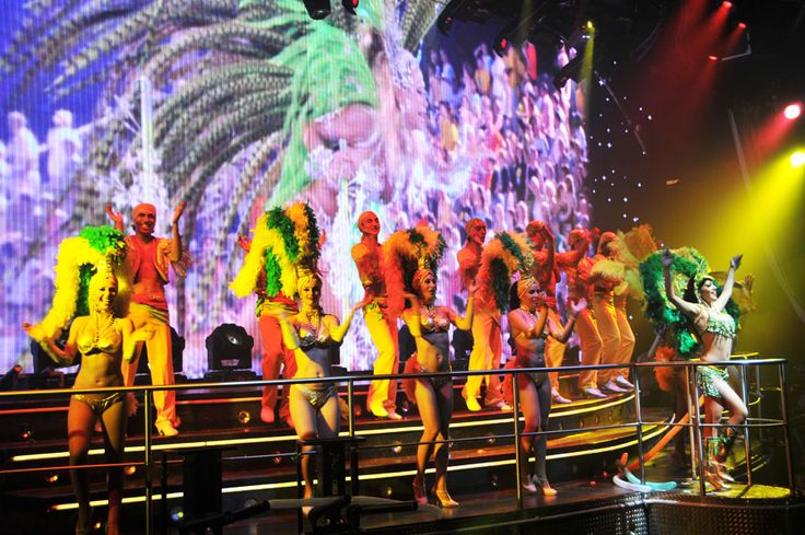 Enjoy your favorite drink and celebrate in this world famous #party along with open bar, giant screens, light shows, confetti steamers and more. It's party time in #CocoBongo #Cancun!