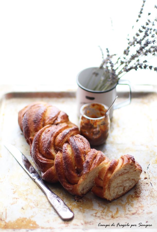 Pan brioche intrecciato al dulche de leche