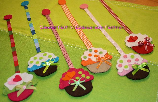 Lovely felt cupcake bookmarks.