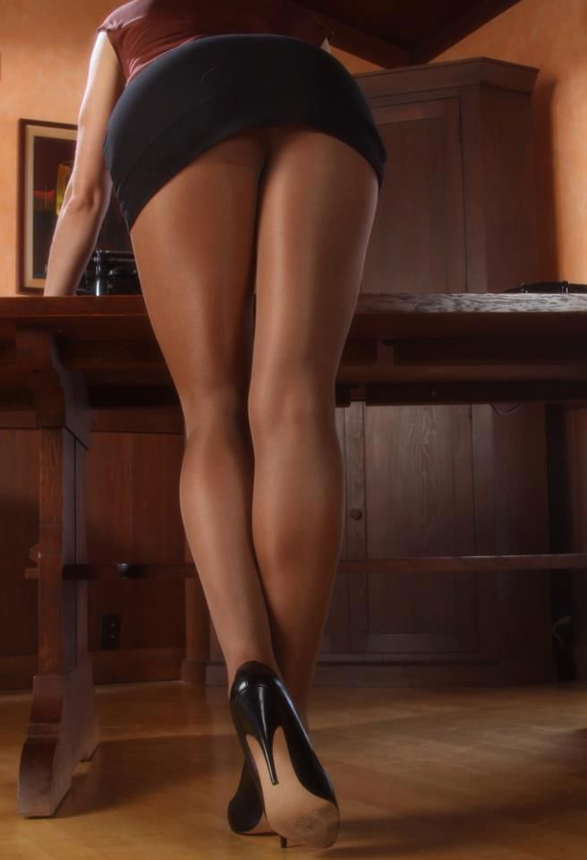 Sexy asian secretary legs