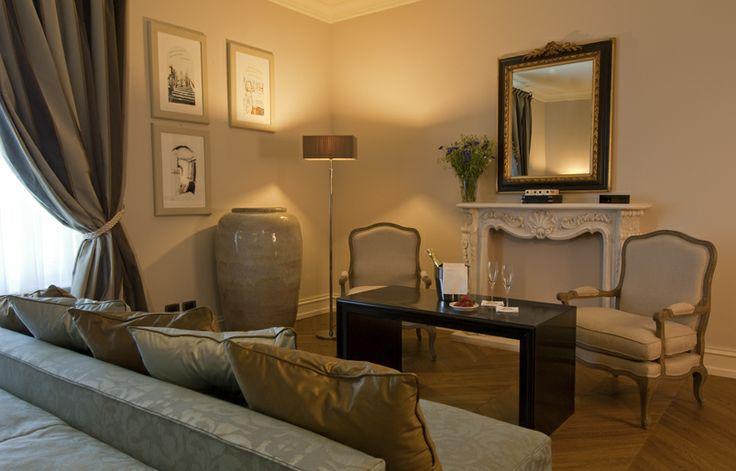 Villa Necchi alla Portalupa Interiors www.villanecchi.it #interior #luxuryhotel #classic #style #design #italianstyle #italia #italy #arredo #hotel #luxury #villanecchi #milano #vigevano #pavia #albergo #location #weddinglocation #eventlocation #locationeventi #locationmatrimoni #gambolo