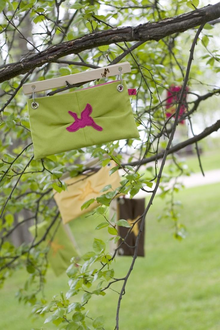 Handbags for WOM. / Käsilaukkuja WOM-tuotemerkille.