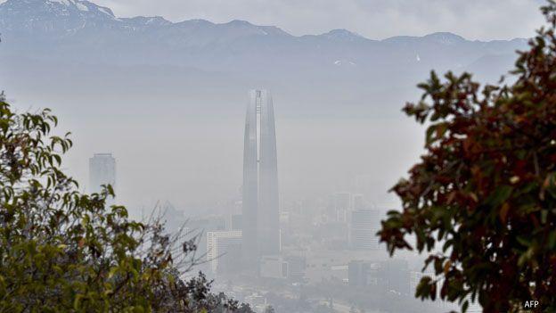 Chile hoy 21 de junio con emeegencia ambiental.. sin lluvia y sin viento.en plena Copa America 2015
