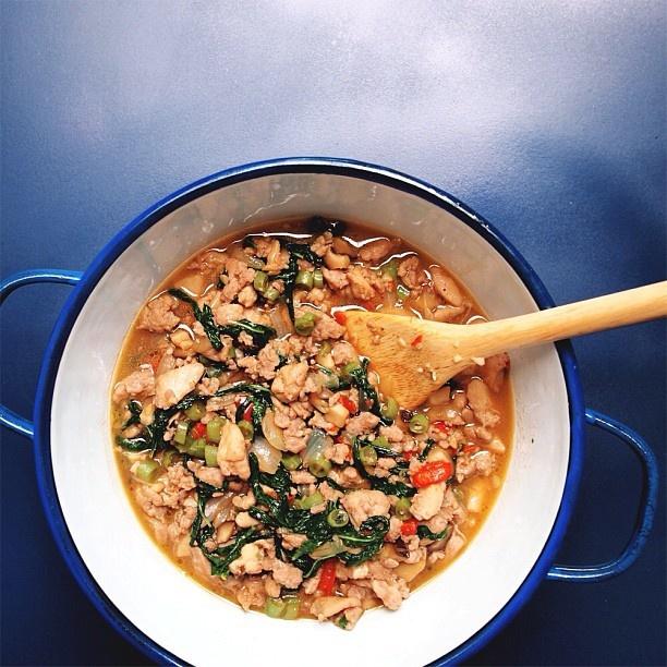 作り置き用コンボガパオ炒め。豚ミンチと鶏モモが混ざったコンボバージョン。 #タイ料理 #おかず #タイごはん Combo #thai #basil #chicken n' #pork! #food #thaistagram #instafood #thaifood #asianfood #cooking #homemade from #bangkok #thailand #อาหารไทย 汗だく - @norikobkk- #webstagram