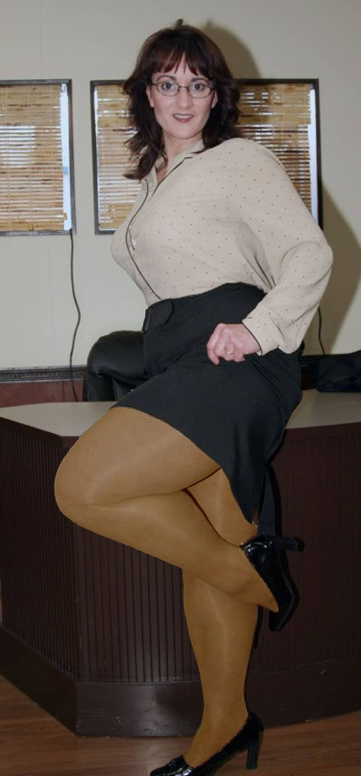 Big legs in pantyhose scene