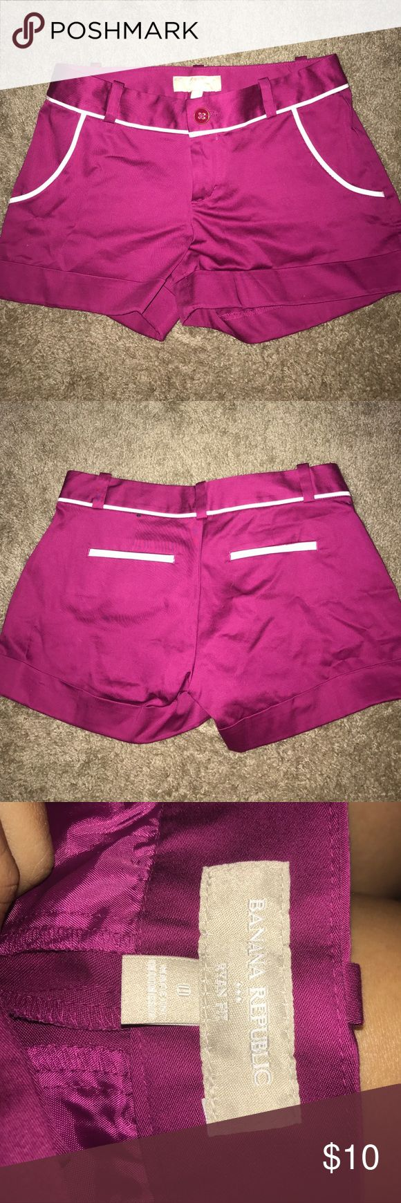 Magenta and white nice banana republic shorts Magenta and white nice banana republic shorts , size 0 , great condition , never worn , nwot , cuffed bottoms , Ryan fit Banana Republic Shorts
