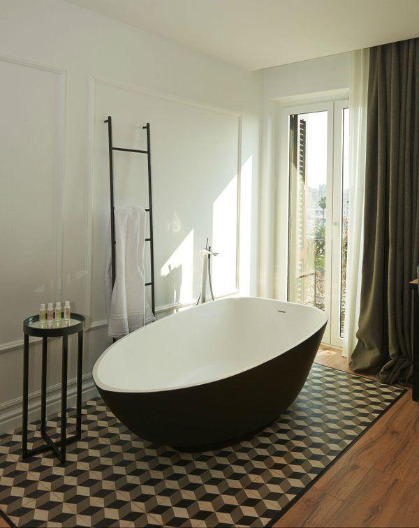 Baño con Mosaico #mosaicohidraulico #carreauxciment #cementtiles #tendencias #fashion #desinghome
